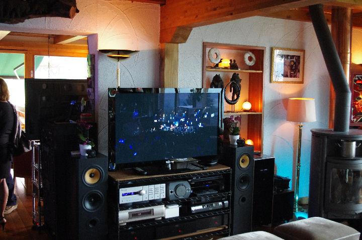 chalet_living_room