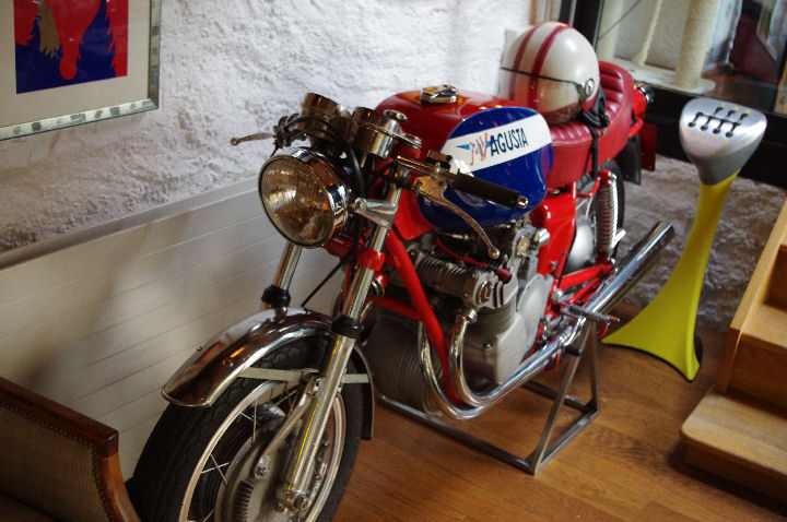 chalet_motorbike