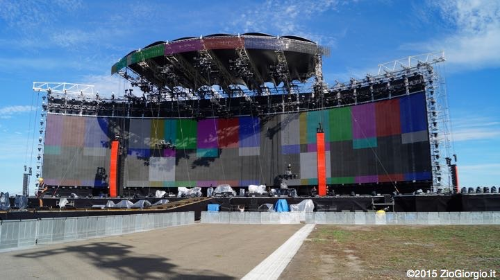 stage campovolo