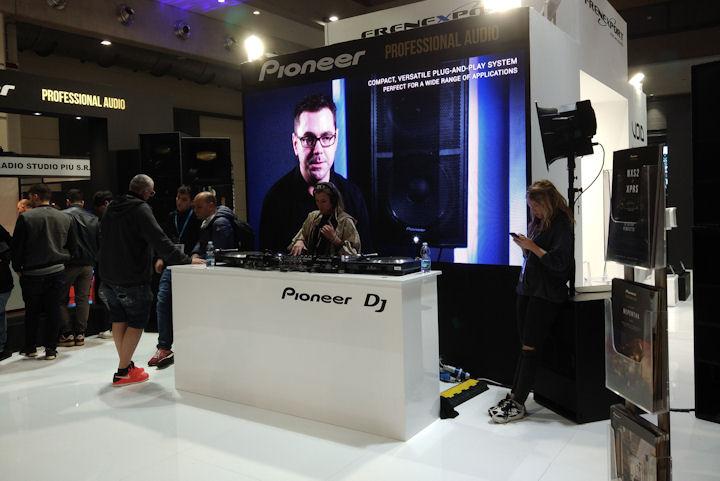 PIONEER DJ_MIR2019_stand